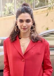 Deepika Padukone Age, Biography, Movies List, Net Worth ...