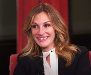 Julia Roberts weight and biography